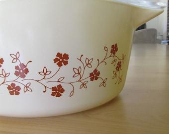 Pyrex Serving Bowl - Trailing Flowers Pattern