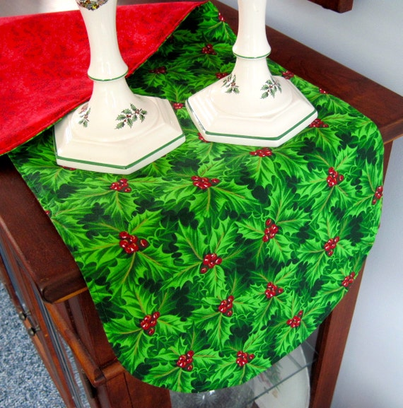 green holly christmas table runner 36 inch by tracystreasuresri. Black Bedroom Furniture Sets. Home Design Ideas