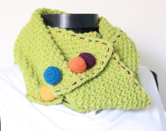 scarf , Circle Scarf ,Cowl ,Green,  Perfect for winter, crochet buttons