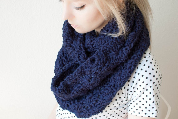 chunky crochet circle scarf in navy