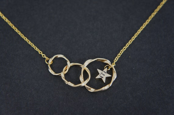 Personalized Triple gold ring circle necklace, with tiny gold star, modern necklace, everyday necklace