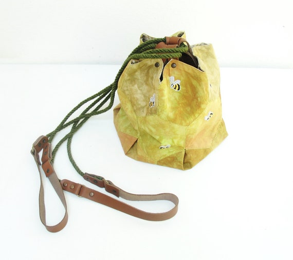 Beehive Pouch Purse - Cotton, Embroidery, Leather