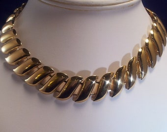 Vintage Trifari Inspired Retro 1970-1980 Goldtone Leaf Necklace
