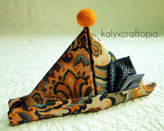 Peter Pan Halloween Party Hat for Dachshunds - Orange Gray Retro Jacquard