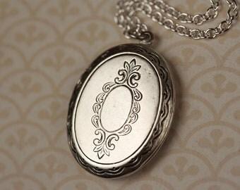 Silver Oval Locket Necklace, Vintage Floral Pendant, Long Floral Locket Necklace, Long Chain