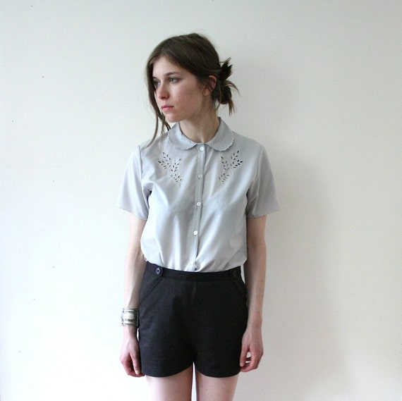 Vintage 80s Sweet Scalloped Granny Peter Pan Blouse