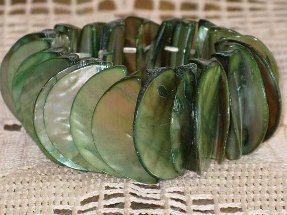 Green Abelone Shell Bracelet (BR-2-4)