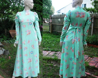 70s Maxi Dress/ Flower Child Dress/ 70s Costume/ Vintage Dress /Vintage Maxi Dress/ 70s Dress /Vintage Costume in Patchwork Fabric Size 8