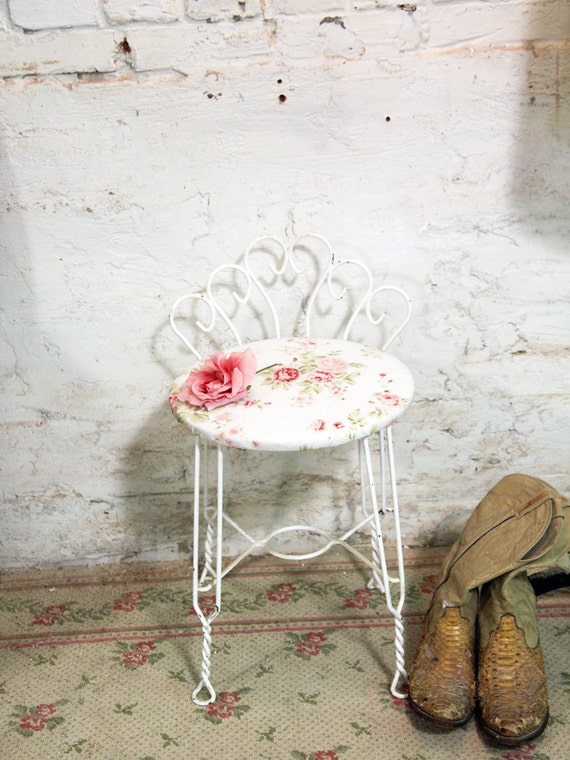 Painted Cottage Chic Shabby White Romantic French Vanity Stool CHR367