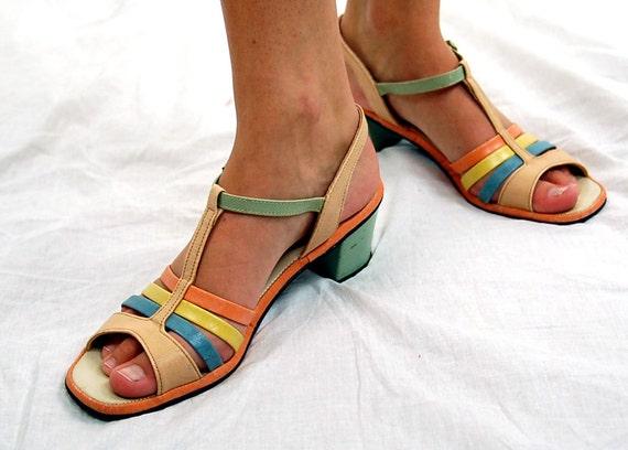 Vintage sandals, Hushpuppies sandals, 1970s sandals, T-Strap, color block shoes, pastel shoes, Strappy sandals, Size 9N, VEGAN