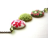 Preppy Flowers and Fabric Necklace : Floral Fashion in Pink and Green Round Colorful Necklace