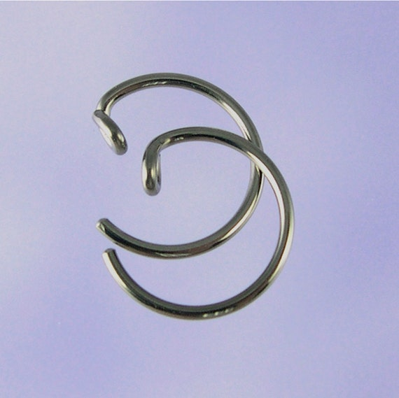 KISS5-18: Small 18 gauge pseudo-sleeper niobium earrings