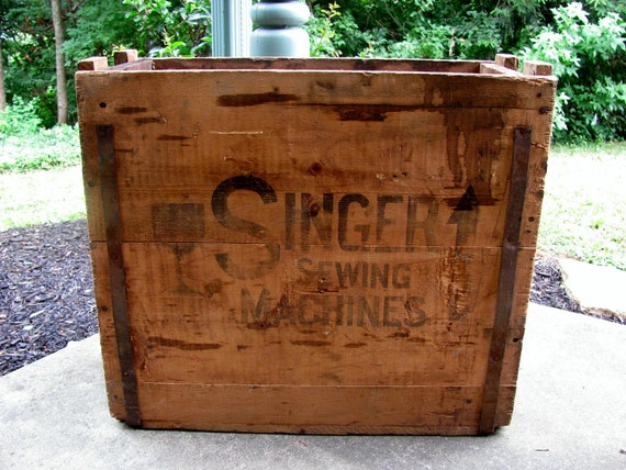 Vintage Antique Singer Sewing Machine Wood Box Shipping Crate Box