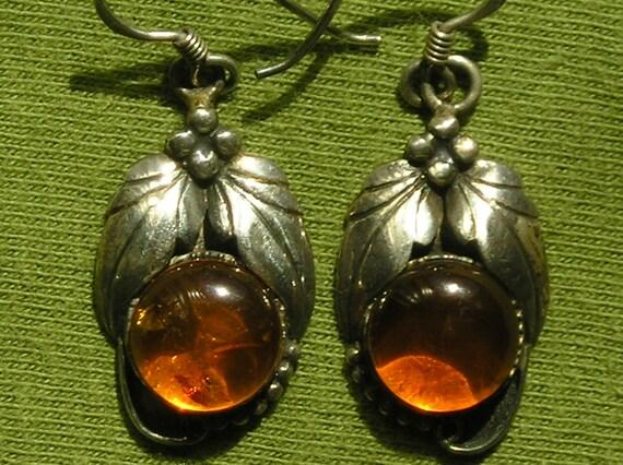 Southwest Sterling Silver Amber Leaf Scroll Dangle Earrings