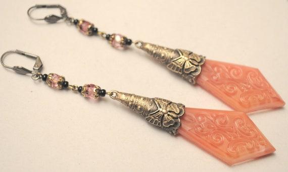 Beautiful Art Dec Czech Rose Czech Glass Vintage Earrings