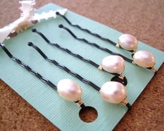 Pearl Hair pins, Ivory Freshwater Pearl  Bobby pins in BLACK Set of 5, Wedding, Bridal Bridesmaids hair pins, Flower Girls hair pins
