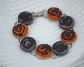 Beaded Swirls Fabric Covered Buttons Bracelet