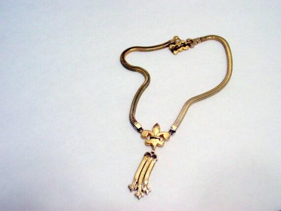 Vintage Fleur De Lis Necklace, Gold Tone Dangle Vintage jewelry Jewellery
