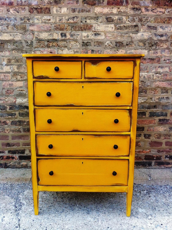 Vintage Distressed Dresser In Sunny - 601.0KB