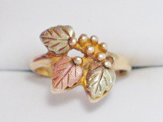 10kt  rose green yellow gold grape leaf ring band sz size 2.5