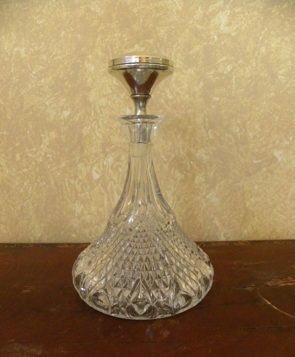 Vintage pressed glass wine decanter ships liquor server for What is wine decanter