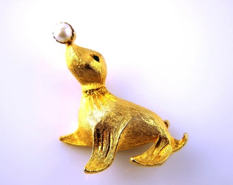 Seal Brooch - Vintage Jewelry