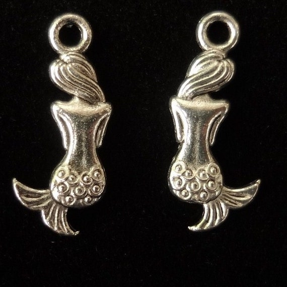 10pcs Antiqued silver - Mermaid charms - reversible 3D design