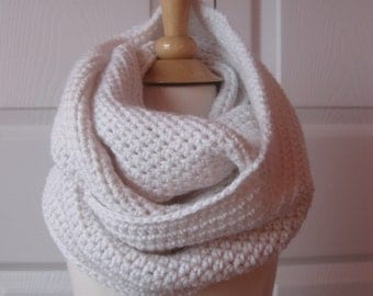 All Day Loop Scarf....Antique White