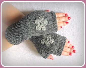SALE  WINTER  Fingerless gloves  knitted  with  flower  all  size  all  color