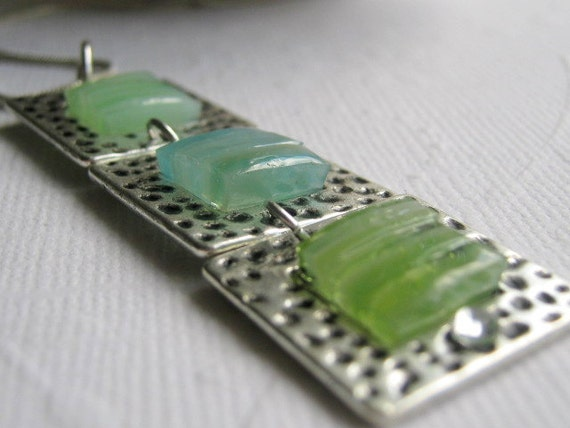 Stained Glass Mosaic Hammered Silver Necklace 3 Panel Blue Green Pastel Stoplight Necklace Peridot Aquamarine Mosaic Jewelry Birthstone