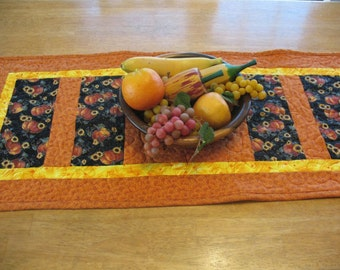 Quilted Fall Pumpkin and Sunflower Table Runner