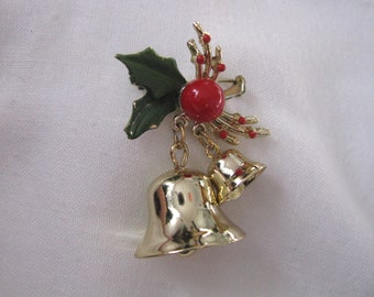Holiday pin brooch w/gold tone bells, green leaves, and holly berry