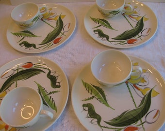 Luncheon  Dishes / Snack Set - Vera Neumann Like Styling -  4 Plates and 4 Cups - Vintage Mid Century -