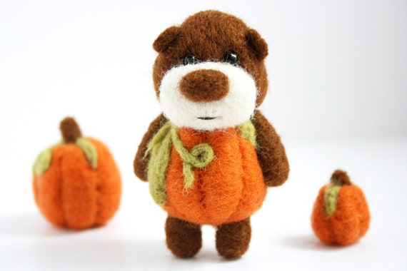 RESERVED for Elizabeth, Felted pumpkin bear