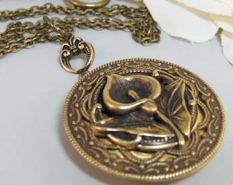 Victorian Lily,Brass Locket,Patina Locket,Flower,Woodland,Lily,Brass,Antique,Victorian,Lily. Handmade jewelery by valleygirldesigns on Etsy.