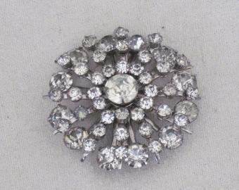 Vintage Rhinestone Pin, Chaton Cut Stones, Sparkly Snowflake Brooch