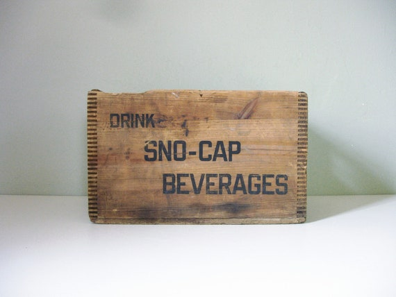vintage sno-cap beverages soda bottle crate