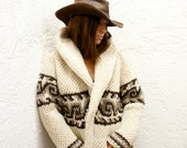 XL Cozy Chic Hand-Knit Mexican Wool Sweater in Cream (Men's and Women's XL Diamond Design))