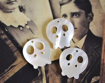 Skull Beads  White Mother of Pearl for Halloween -V1045 /10Pcs