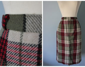 1950s wool plaid skirt / 50s pencil skirt / Collegiate Skirt