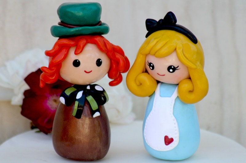 alice in wonderland wedding cake toppers wedding cake topper in mad hatter made to 10671