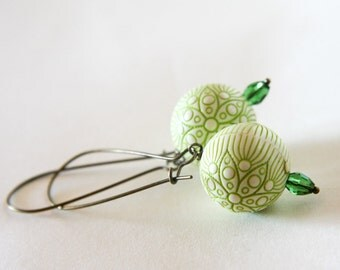 green flowers earrings - wedding bridesmaid - cream leaft green antique bronze
