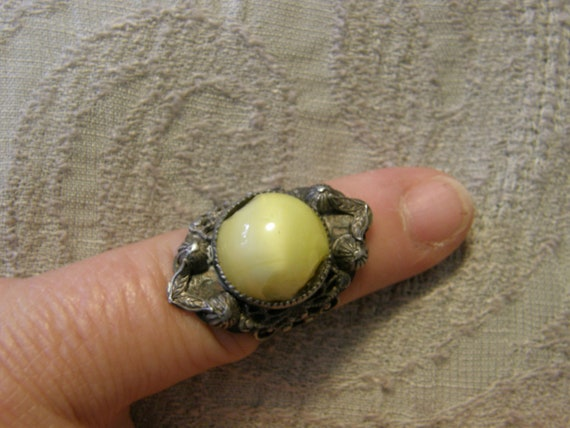 Vintage sterling ring with yellow moonstone for repair