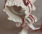 Newborn Bonnet. Girl Bonnet. Red. Linen. Fabric Bonnet. Newborn. Christmas. Photogpraphy Prop. Vintage Style. SAVANNAH. Tolola Designs