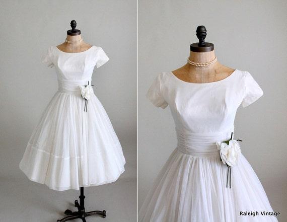 Vintage 1960s Dress : 50s 60s White Chiffon Wedding Dress