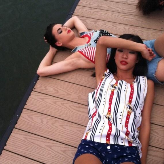 80s Novelty Top Sunny Cruise Vacation Ocean Beach Red White Blue Sleeveless Tank Shirt Blouse Summer Small-Medium-Large