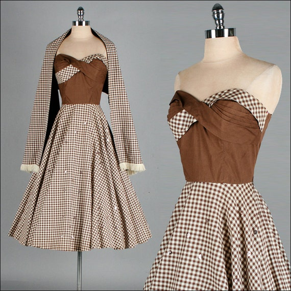 Vintage 1950s Dress . Brown Ivory Checked Cotton . Full Skirt . Wrap . Strapless . S/M . 2224