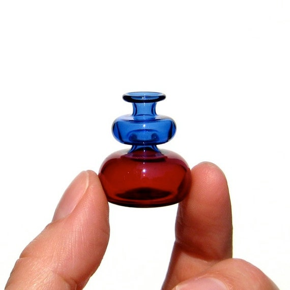 Miniature Vase in Blue and Red