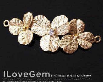 NP-1332 Matt Gold plated, Triple Flower, Pendant for Bracelet, 1pc
