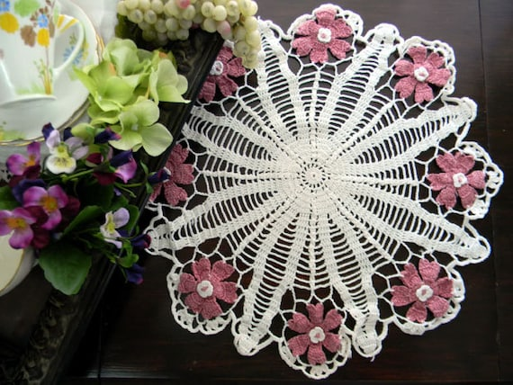 Vintage Crochet Centerpiece or Large Doily - Off White with Dusky Pink Daisies 7882